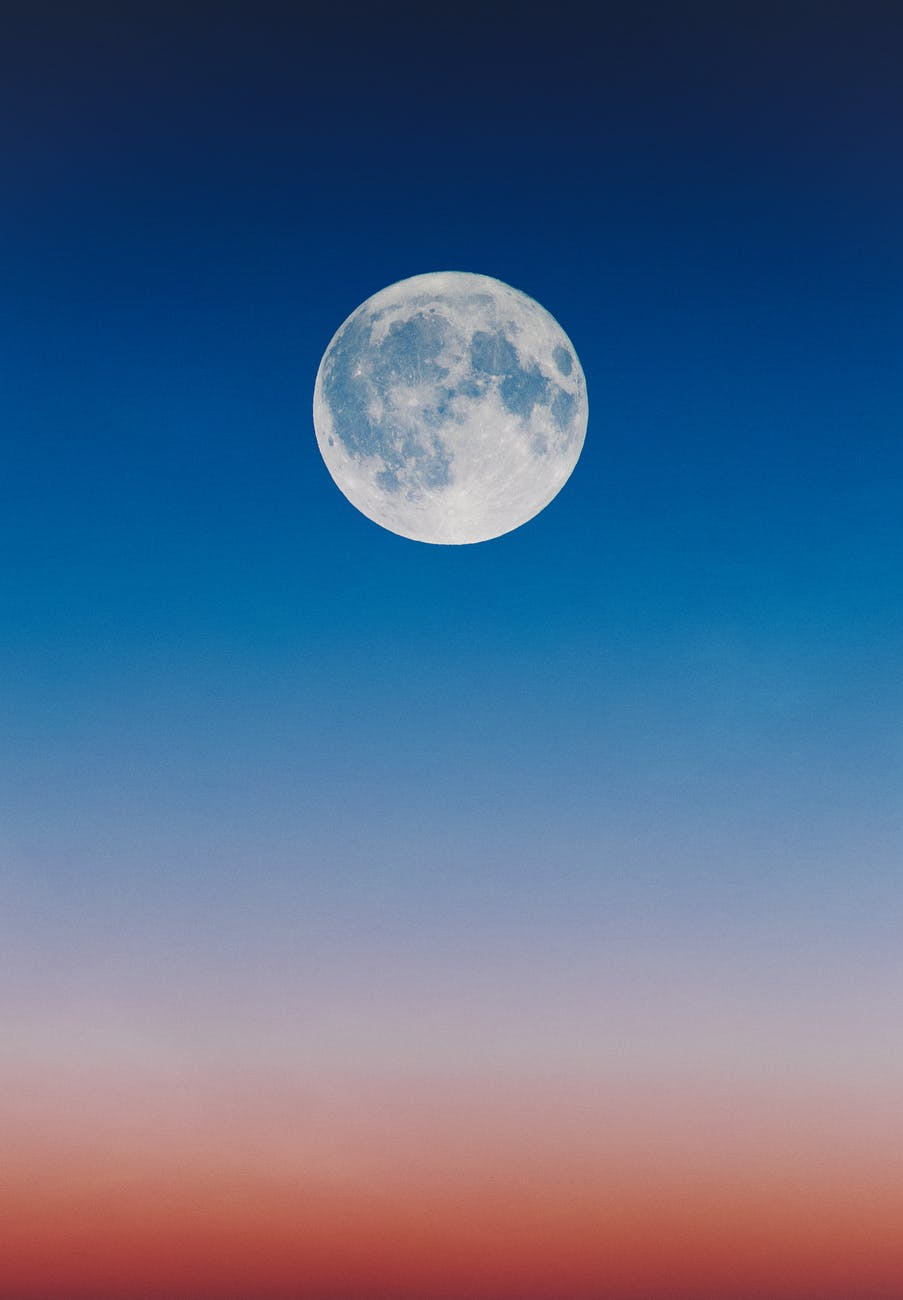 Untitled image of the moon and sky
