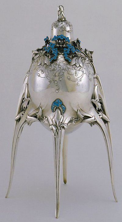 Lidded caviar server. 1905.