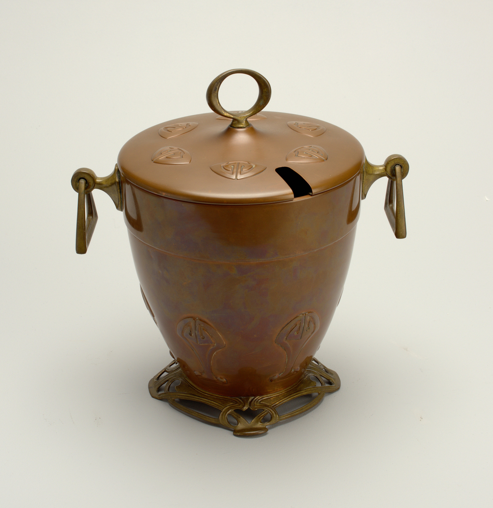 Urn. 1905-1910.