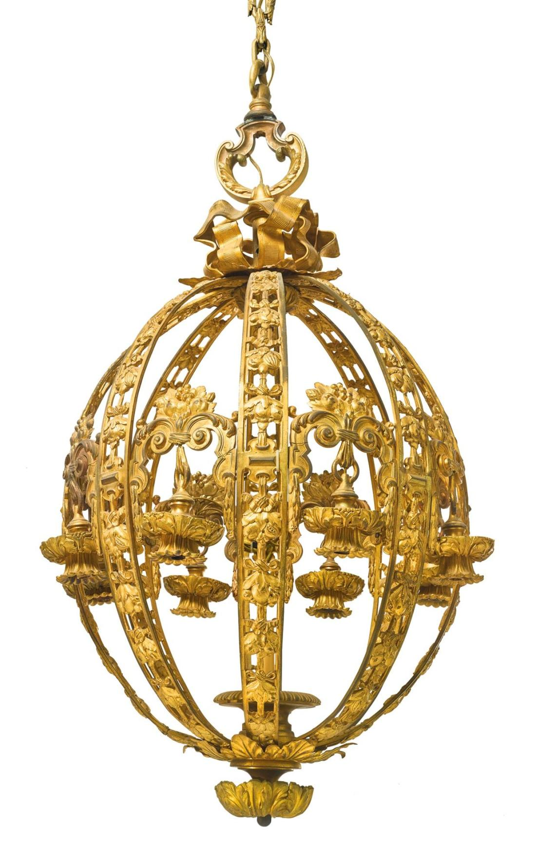 Ten light chandelier.ca. 1900-1925. Gilt bronze.