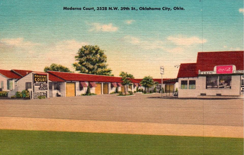 Moderne Court Motel. Oklahoma City, Oklahoma. Vintage postcard.