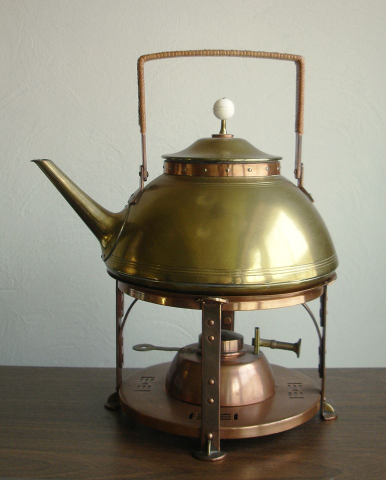 Tea kettle. ca. 1902-1904.