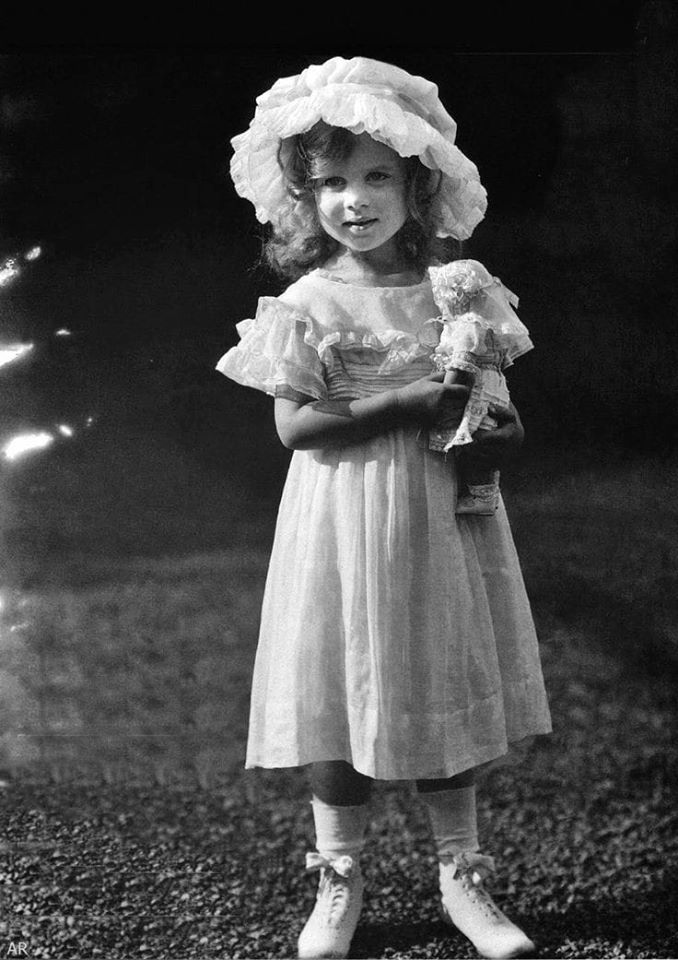 Princess Ingrid of Sweden as a child. ca. 1913.