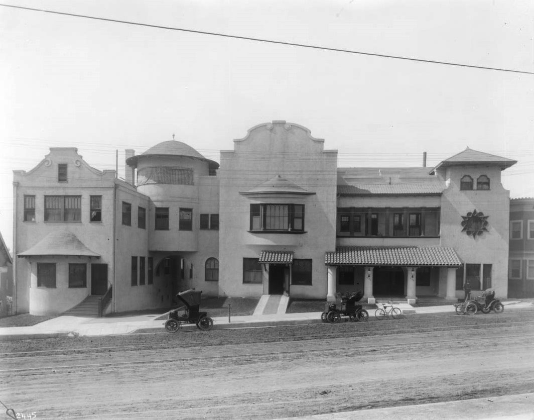Good Samaritan Hospital, Los Angeles, California. ca. 1904.