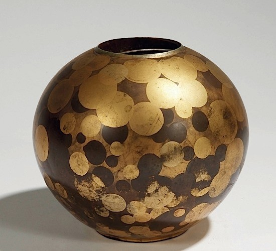 Lacquered metal vase. 1920's.
