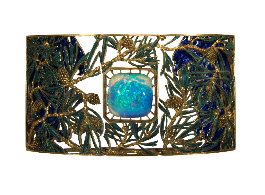 Plaque for an eagles and pine choker. 1899-1901.