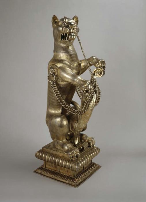 """Snow leopard"""" decorative vessel. 1600-1601."""