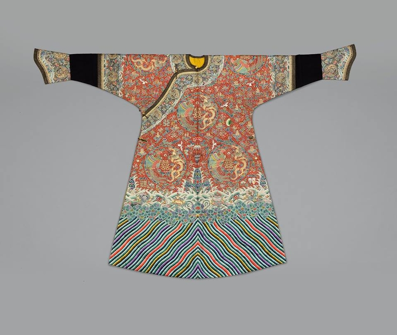 Festive robe with eight dragon-phoenix roundels and twelve imperial symbols.