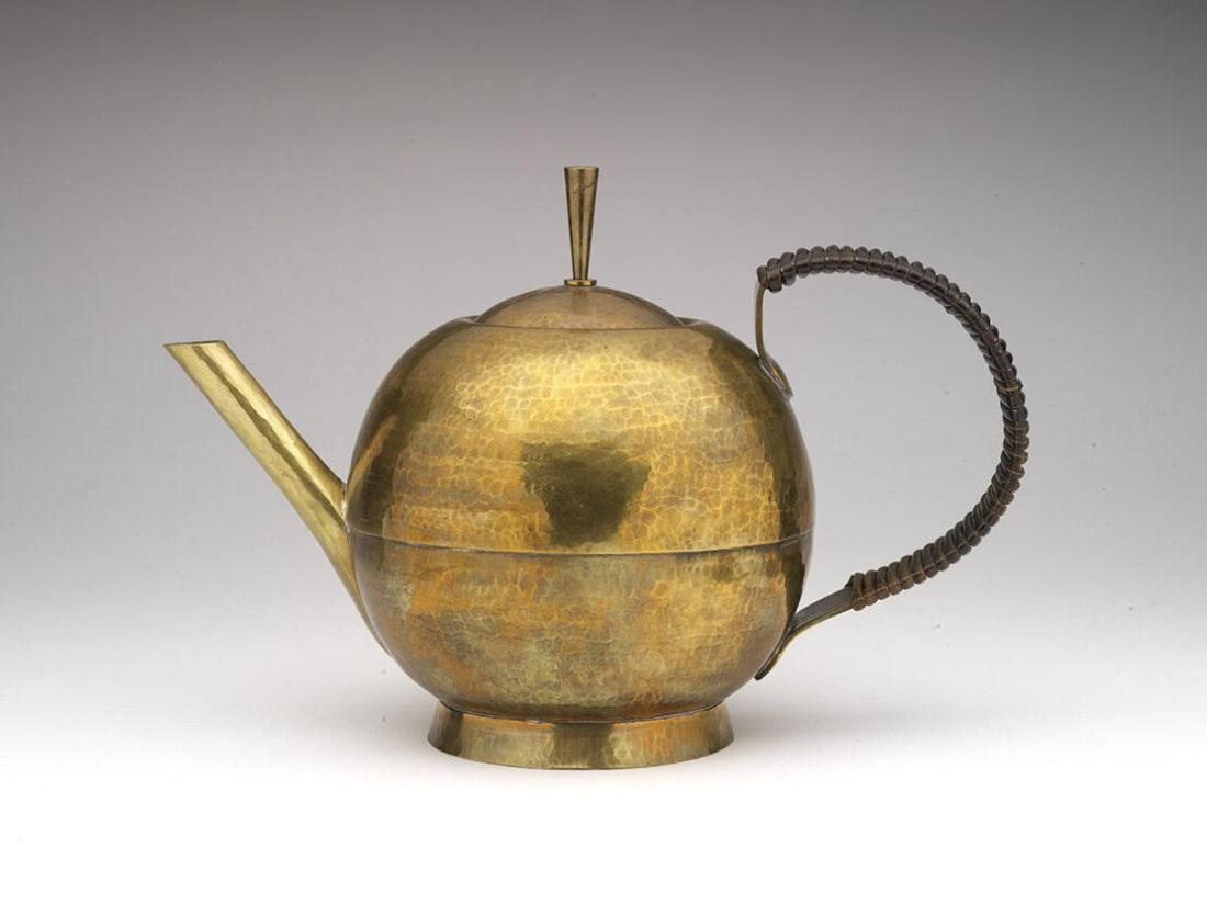 Teapot and cover. 1930's.