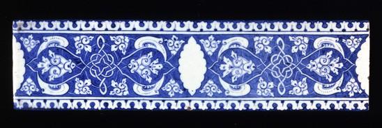 Fritware tile, painted in blue under a transparent glaze. Iznik. ca. 1505.