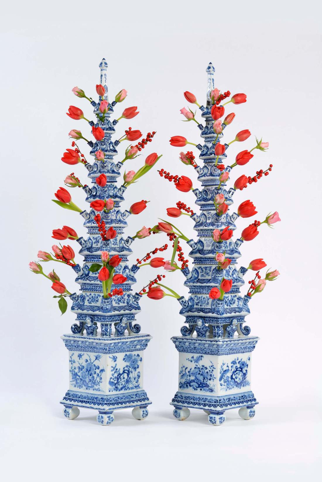 Tulipieres. Blue and white pyramidal flower vases. ca. 1695.
