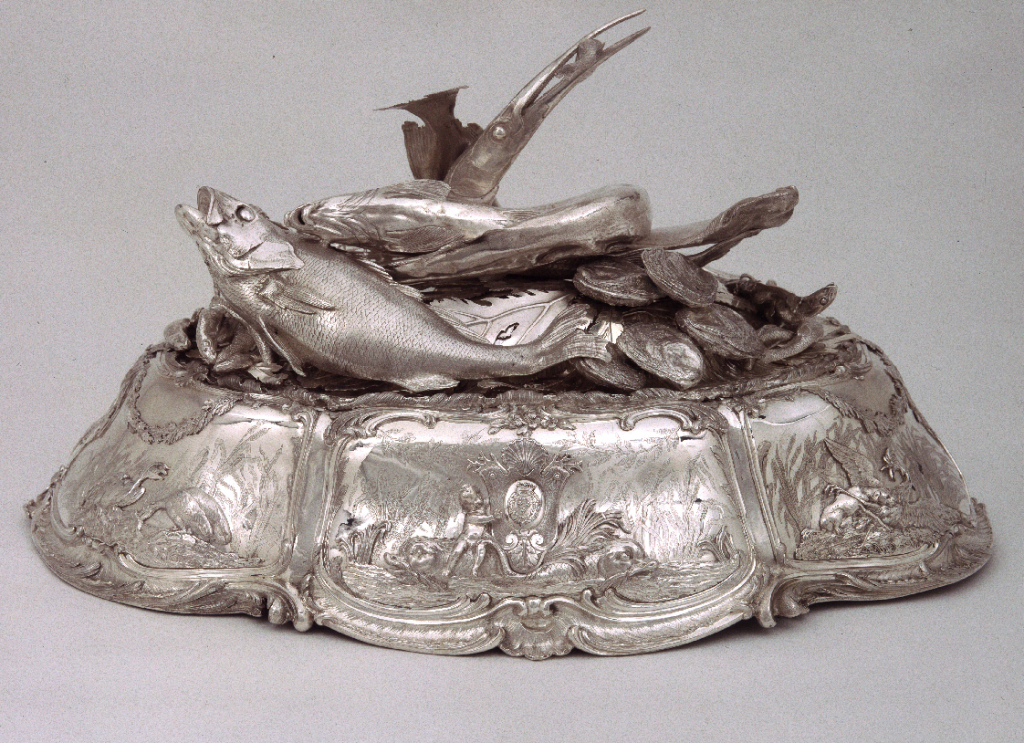 Cloche à la matelote with a still life of fish and seaweed. Part of the  service Penthièvre-Orléans. 1745-55.