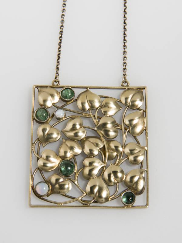 Pendant. Before 1911.