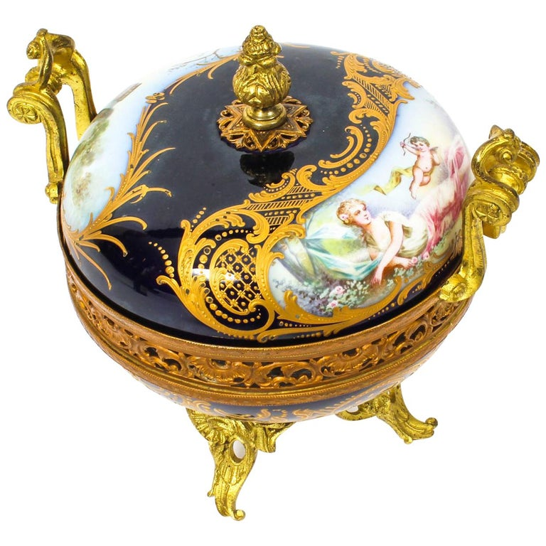 """Royal Bleu"" Louis Philippe pot pourri urn. 1846."