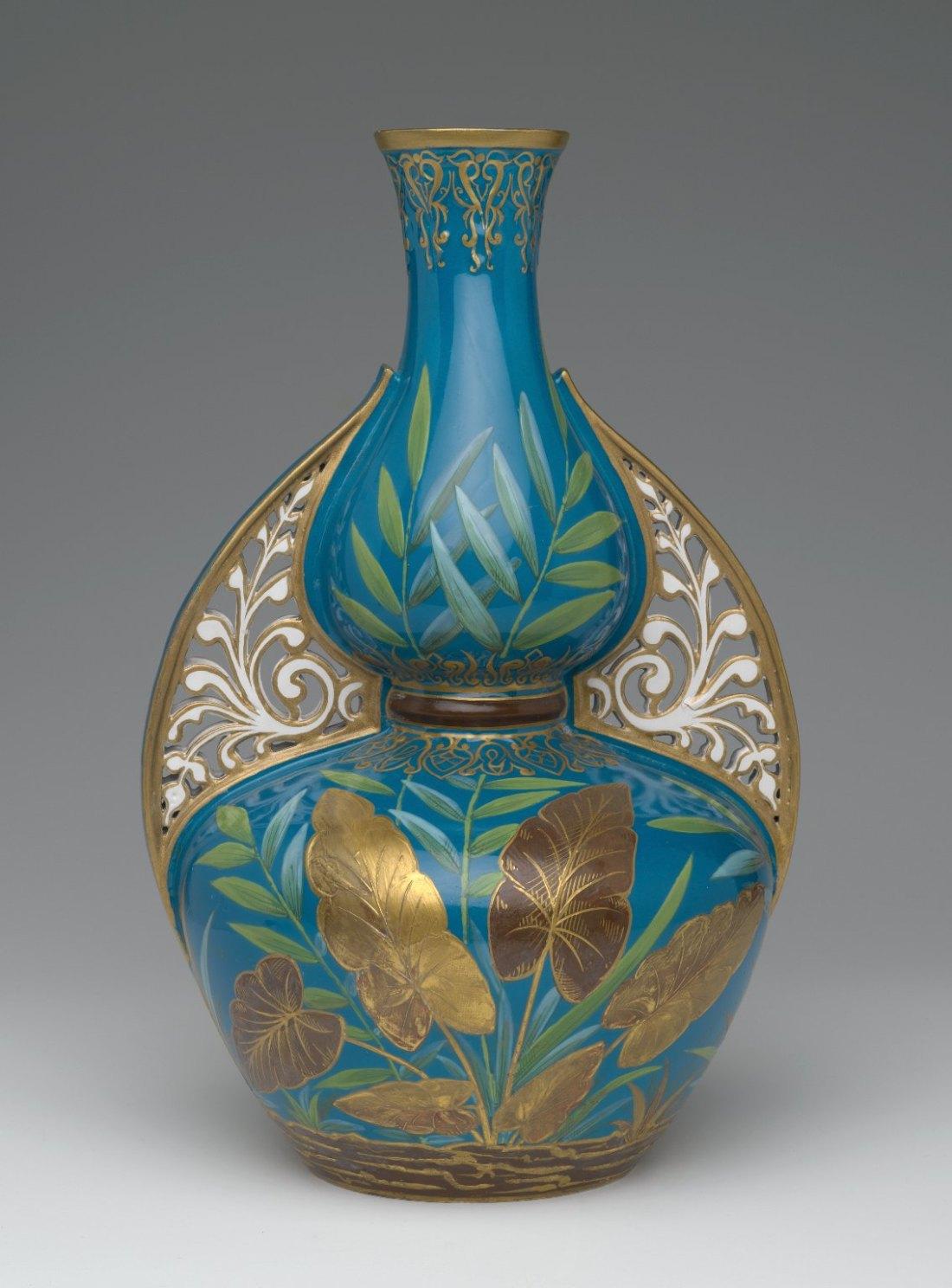 Vase. ca. 1875.