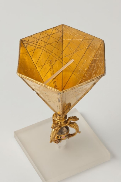 Hollow sundial with scales located on the inside of a hexagonal cup. Also marked with zodiac signs shows the monthly changing length of day and night, while the twelve houses in the sky in which the sun is located have been given horoscope scales. 1600.