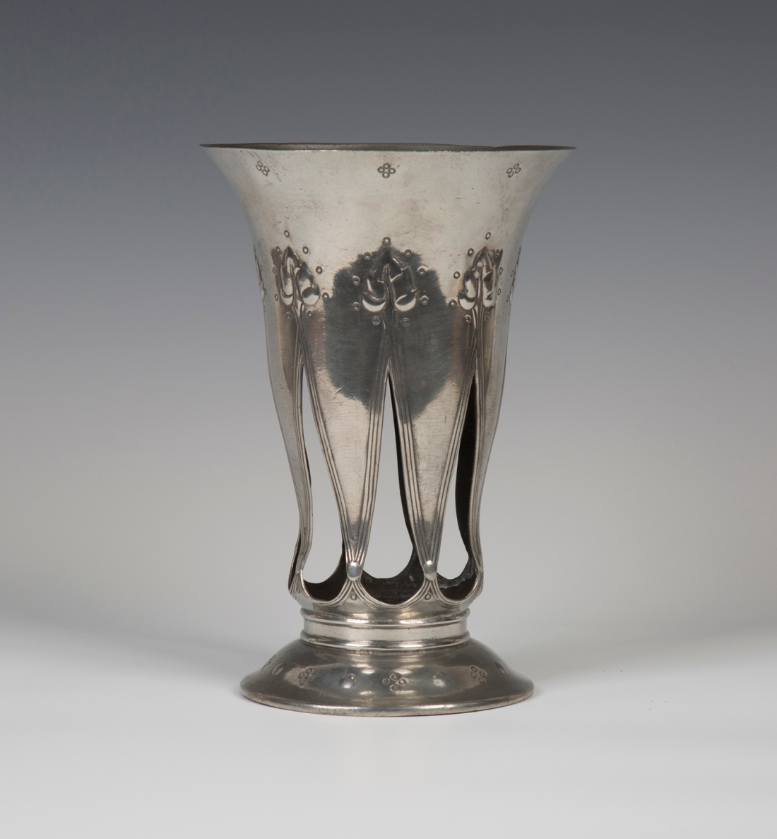 "Vase with a flared trumpet form, model number ""01040."" ca. 1902."