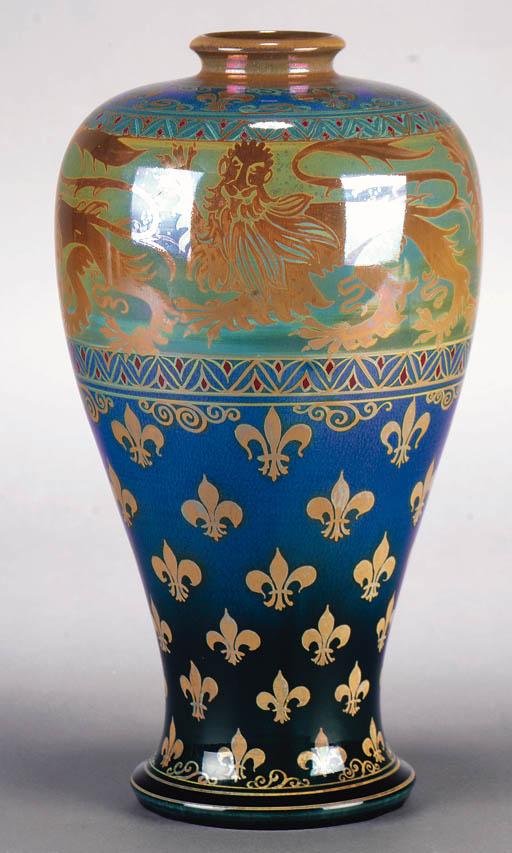 Baluster vase. 1913.