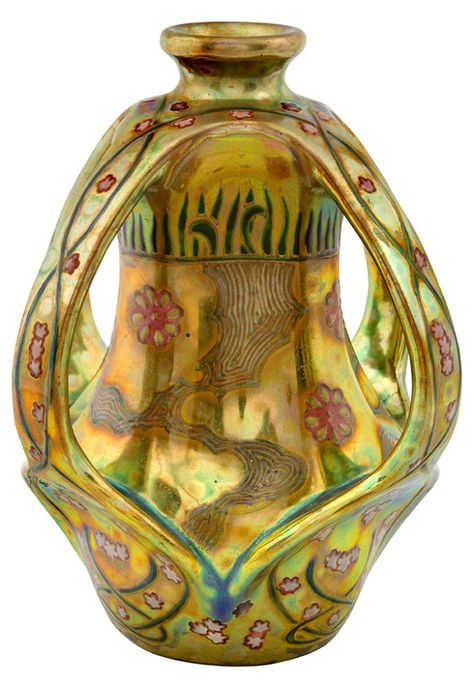 Vase with ribbon-flower pattern. 1903.