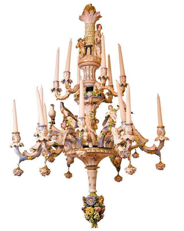 Chandelier with 16 candle arms