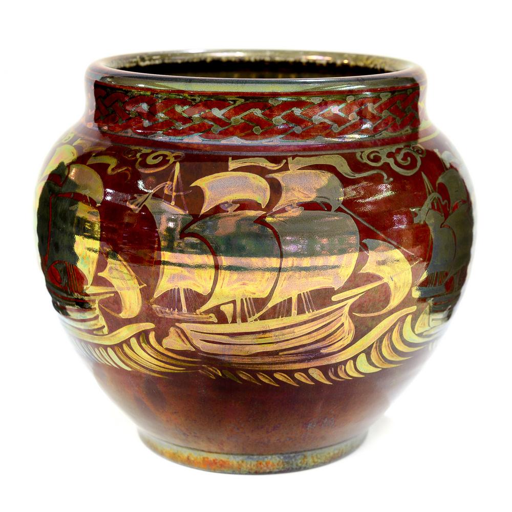 Lustre vase. 1933.
