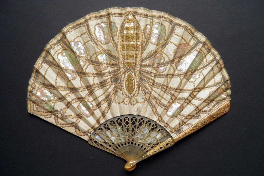 Dragonfly balloon fan. Art Nouveau in style.
