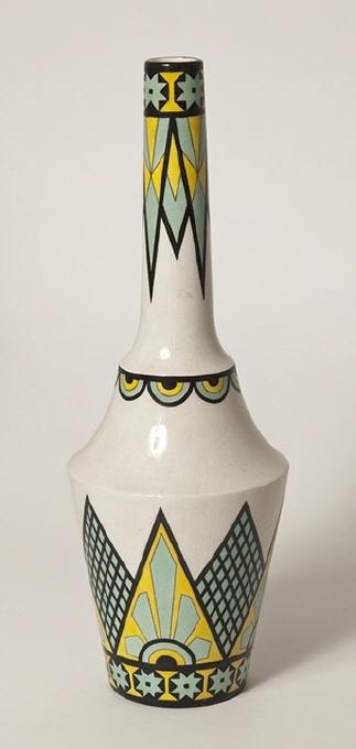 Vase. 1902-1912.