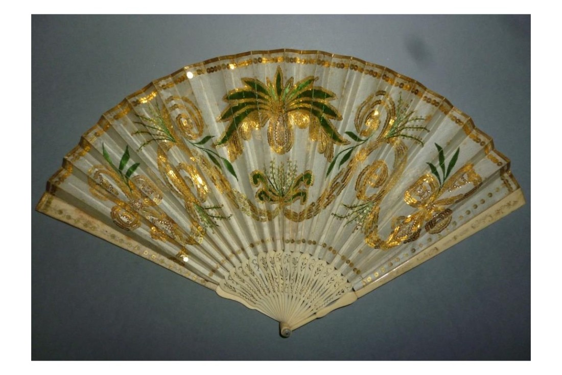 Imperial pineapple fan. ca. 1805-1810.