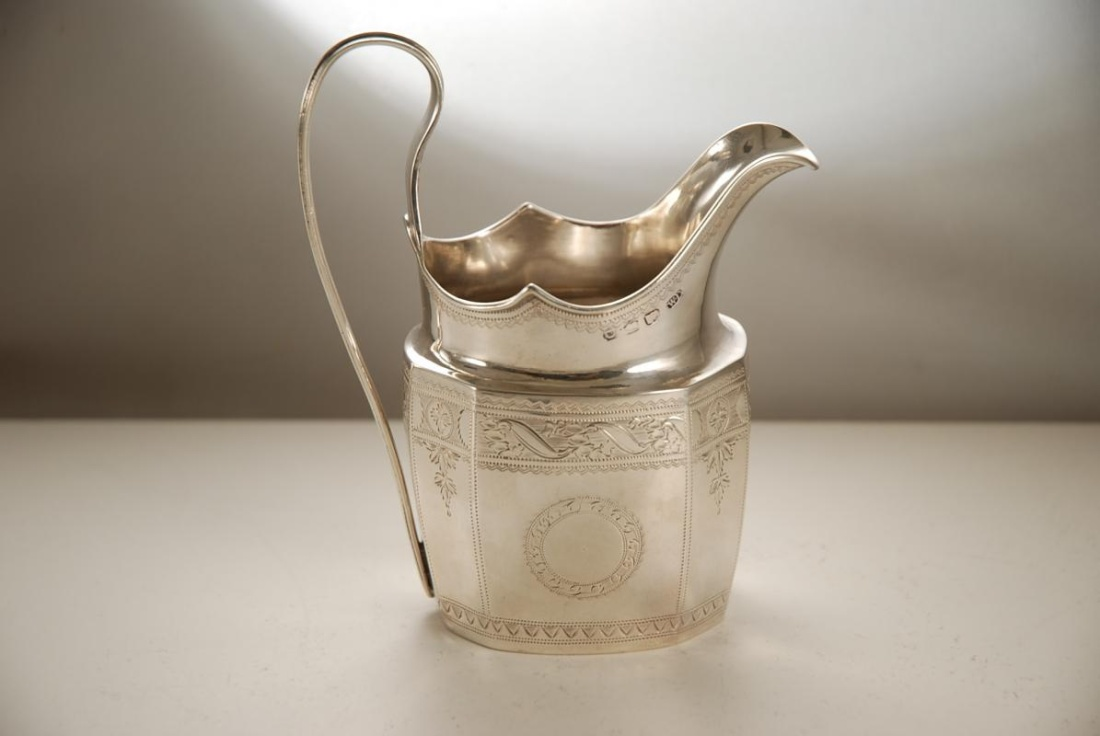 A_Georgian_Irish_Silver_Cream_Jug_in_the_Neoclassical_Style-00
