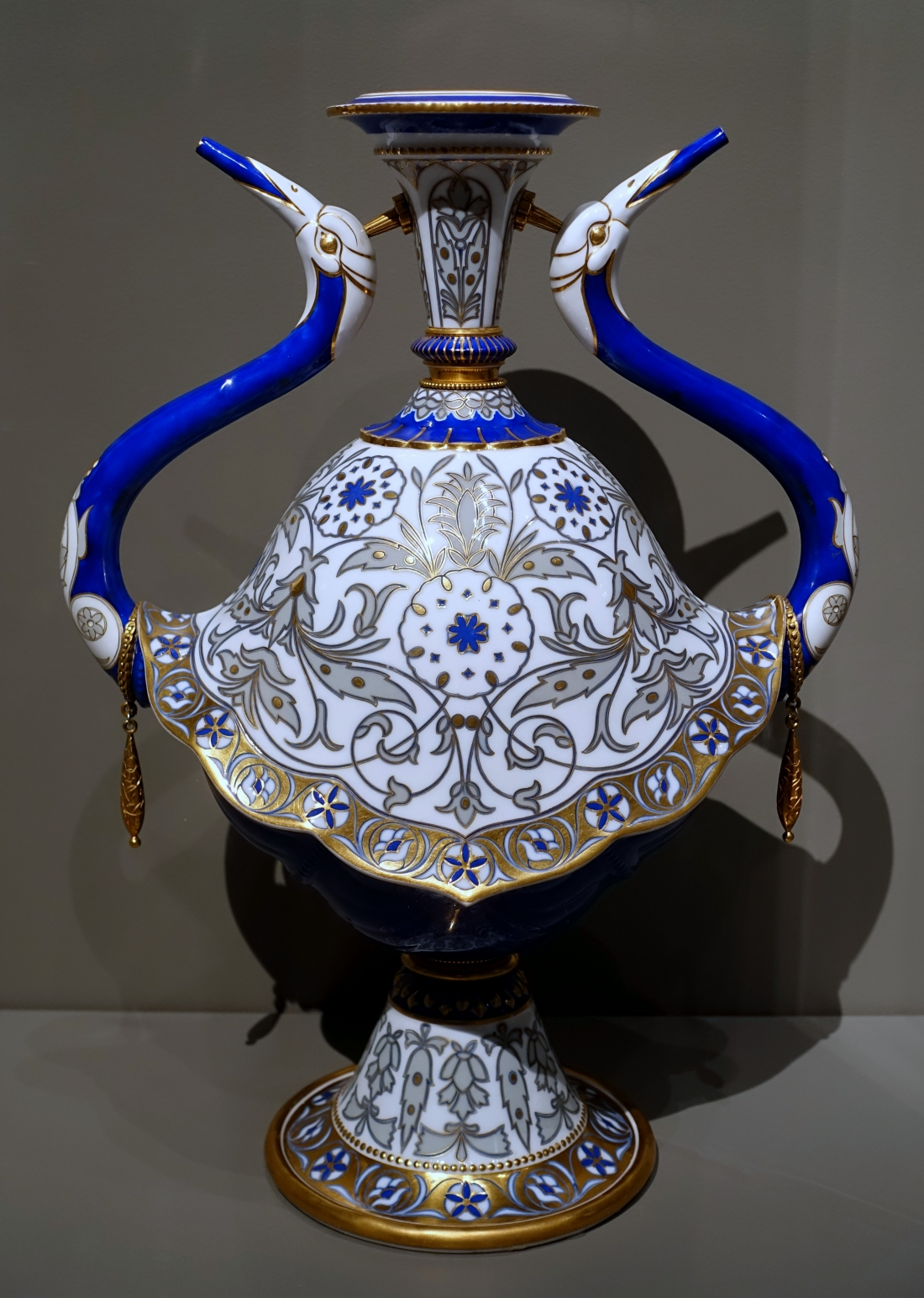 Ewer,_designed_by_Jules-Pierre-Michel_Dieterl,_Sèvres_Porcelain_Factory,_1854,_hard-paste_porcelain_and_gilt_bronze_-_Wadsworth_Atheneum_-_Hartford,_CT_-_DSC05532