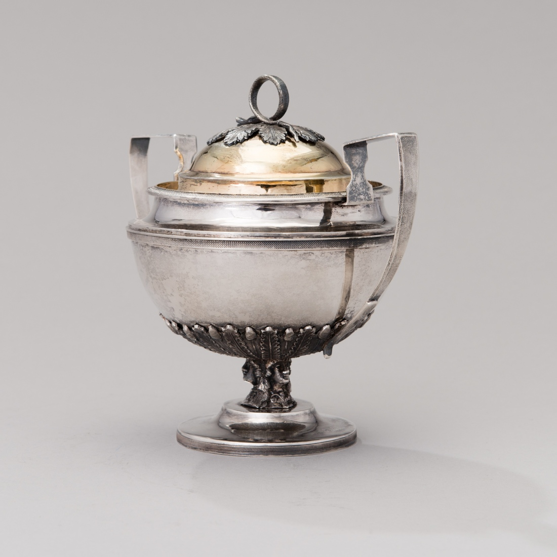 Sugar bowl with lid. 1816.