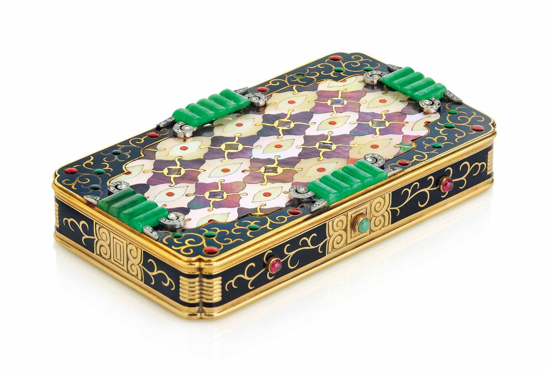 2017_GNV_15697_0081_000(an_art_deco_multi-gem_vanity_case_by_van_cleef_arpels)