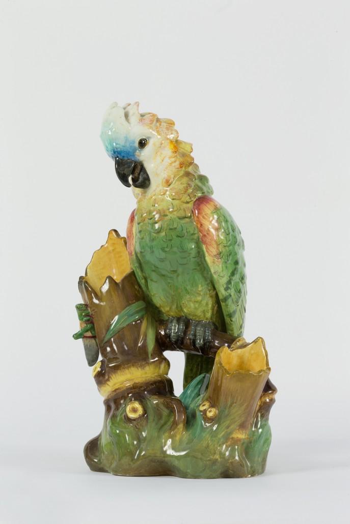 Perroquet-et-sauterelle-sur-branche-de-bambou-Massier-687x1030